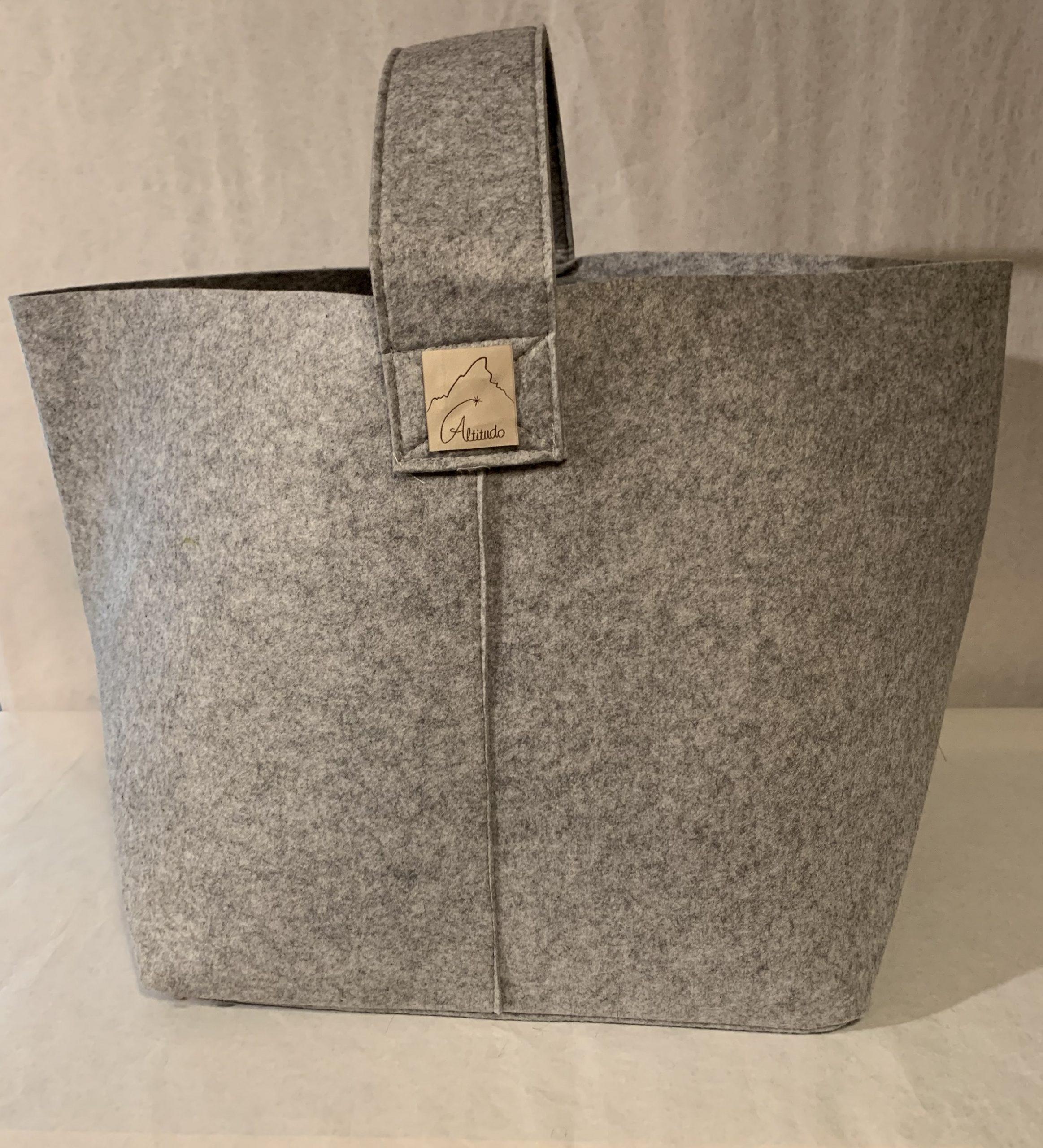 sacca porta tutto in feltro grigio, personalizzabile, ottima per legna, giornali